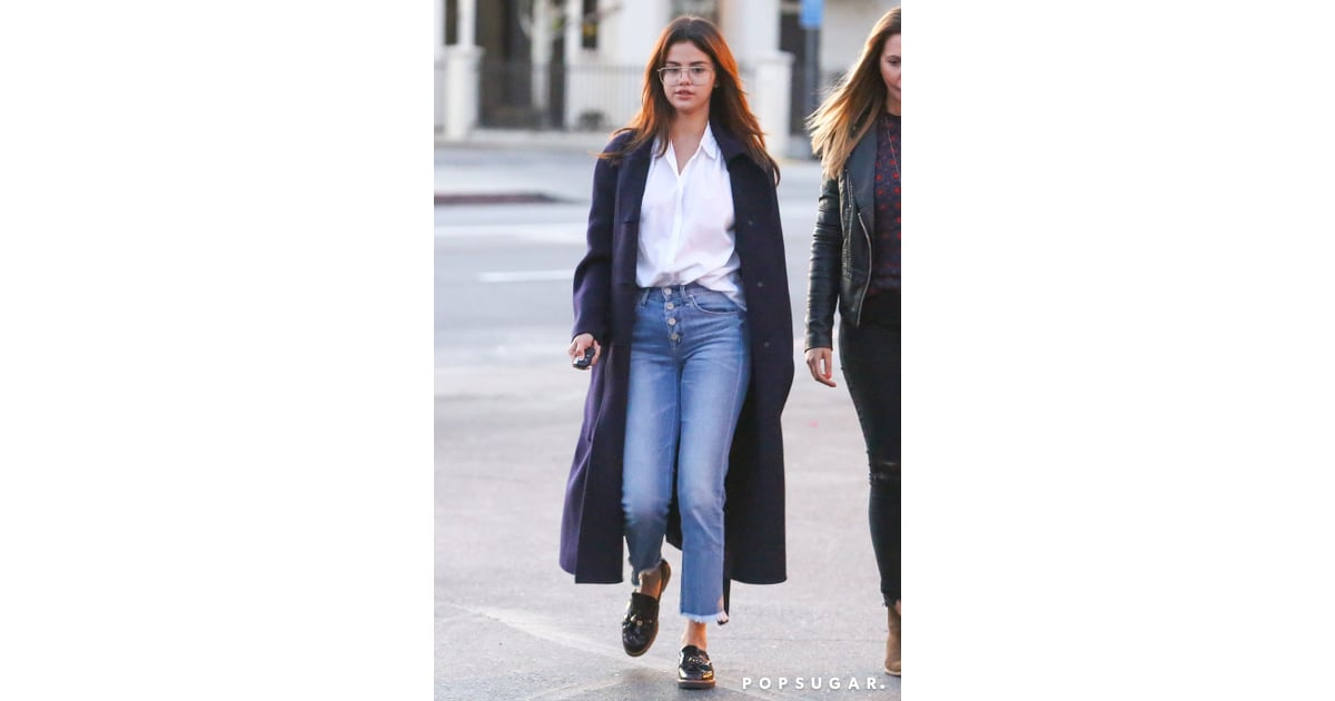 8bcd2eb8188b4c She styled a pair of button-up jeans with a crisp white blouse, a | Selena  Gomez Jeans | POPSUGAR Fashion Photo 3