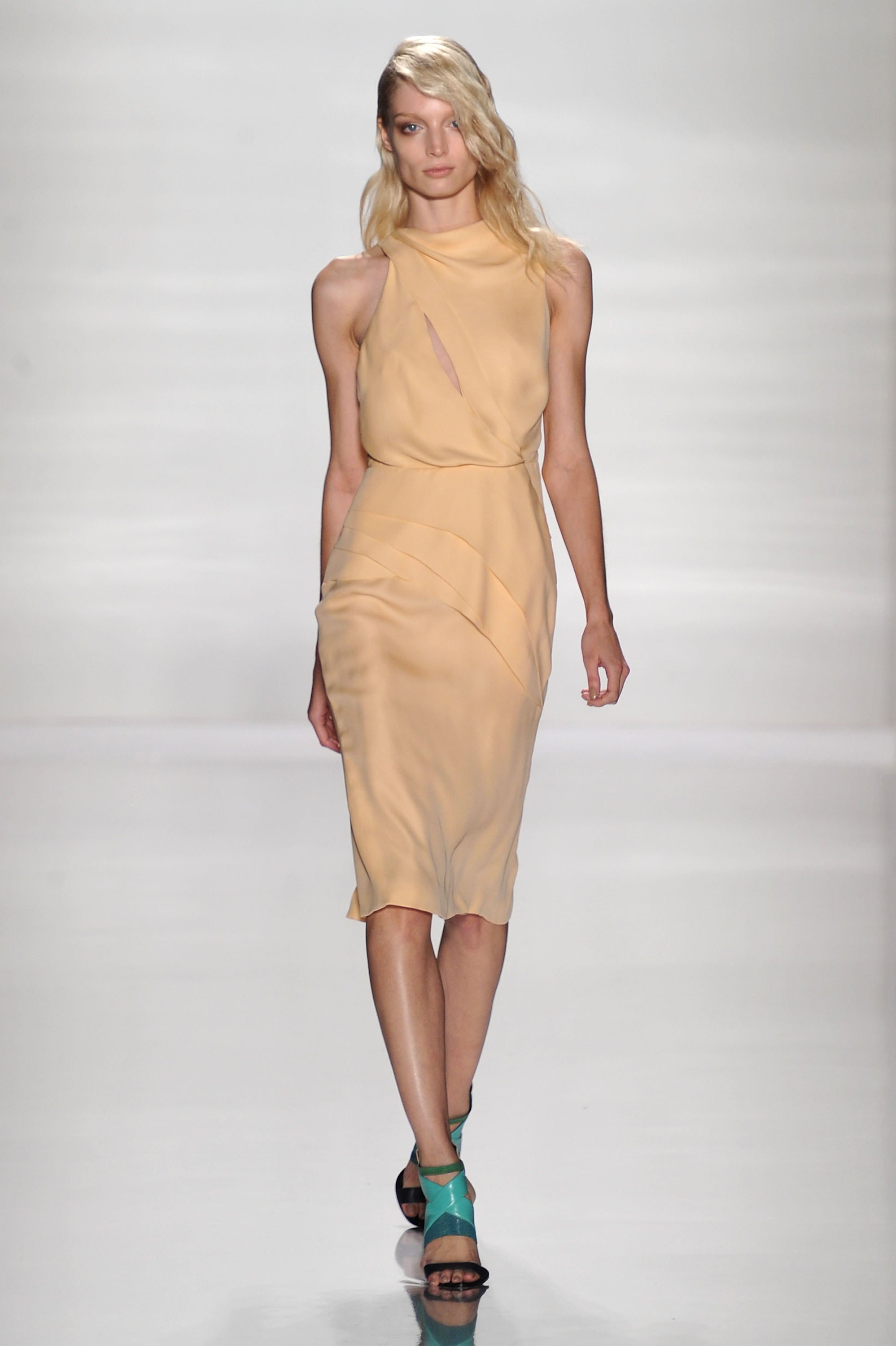 Review and Pictures of J.Mendel Runway Show at 2012 Spring ...