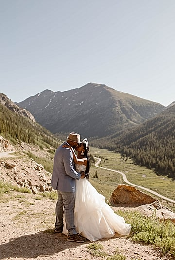 Gorgeous Sunrise Hiking Elopement in Colorado