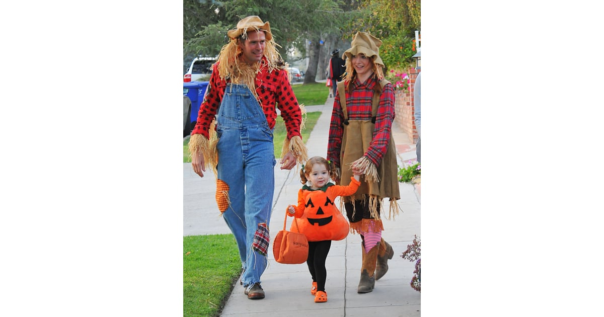 Scarecrows And Pumpkin Halloween Costume Ideas For The Family