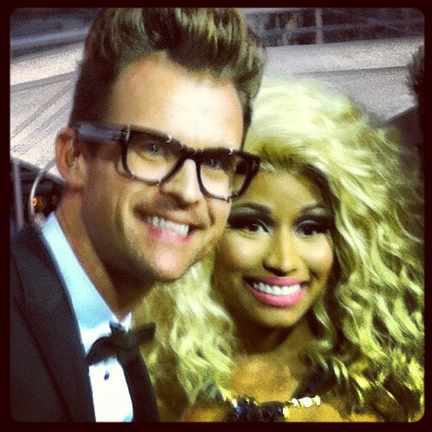 Brad Goreski snapped a pic with Nicki Minaj at the AMAs on Sunday.  Source: Twitter User MrBradGoreski