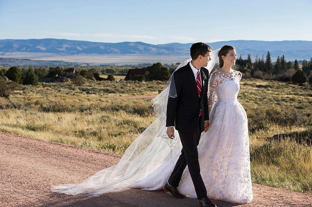 Allison Williams Got Married in a Breathtaking Oscar de la Renta Gown
