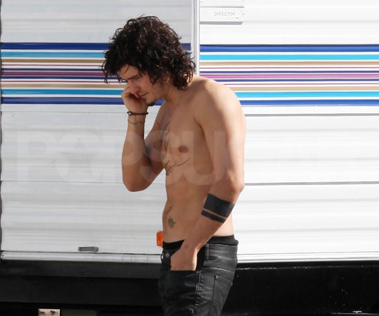 Photo of Orlando Bloom Shirtless on the LA Set of Sympathy for Delicious