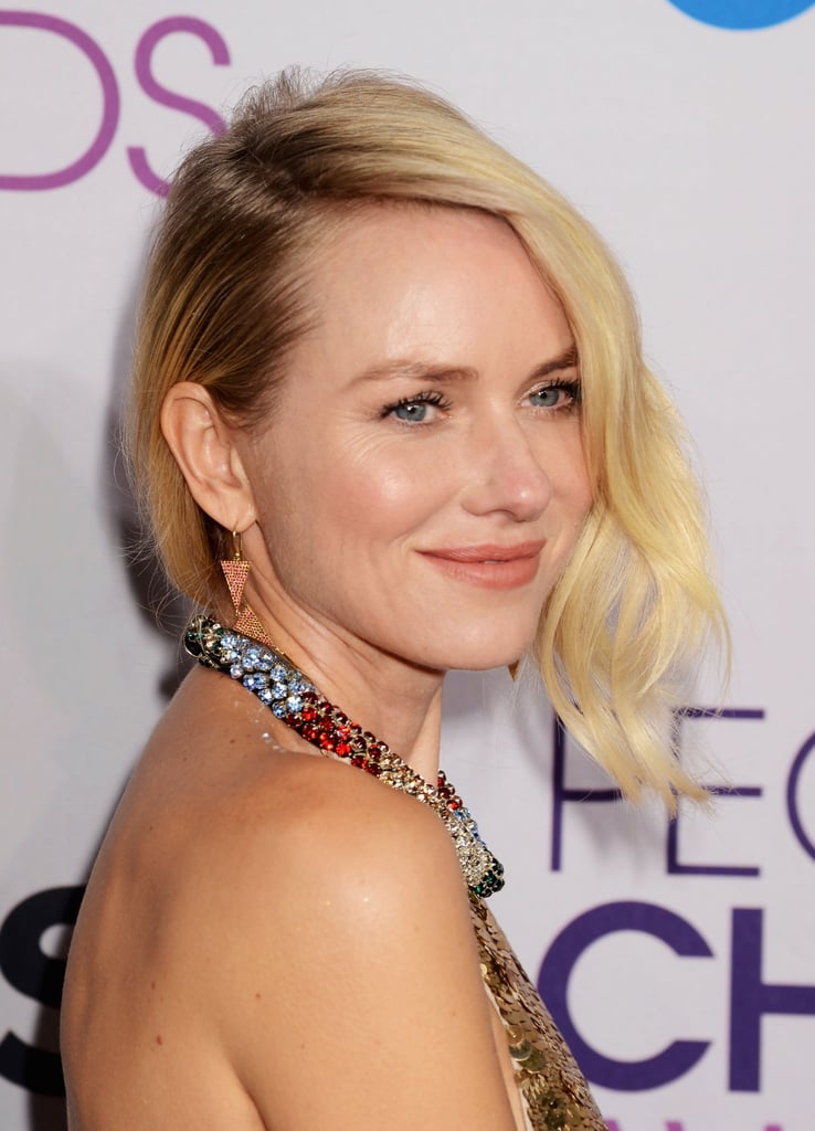 A sultry updo was kept casual with a peach lip at the 2013 People's Choice Awards.
