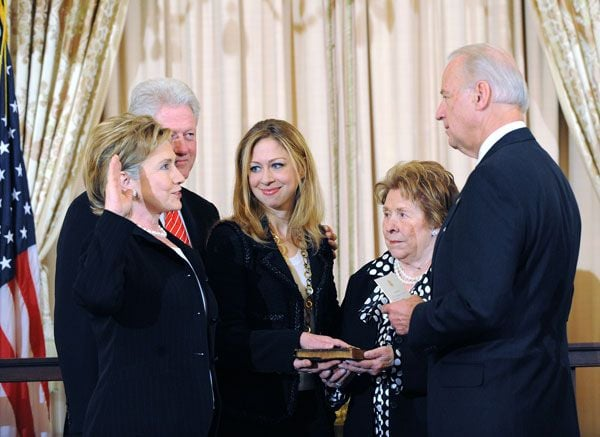 #TBT to my mom being sworn in as secretary of state: she's never been a quitter and I was so proud of her tireless service in President Barack Obama's administration and on behalf of our country.