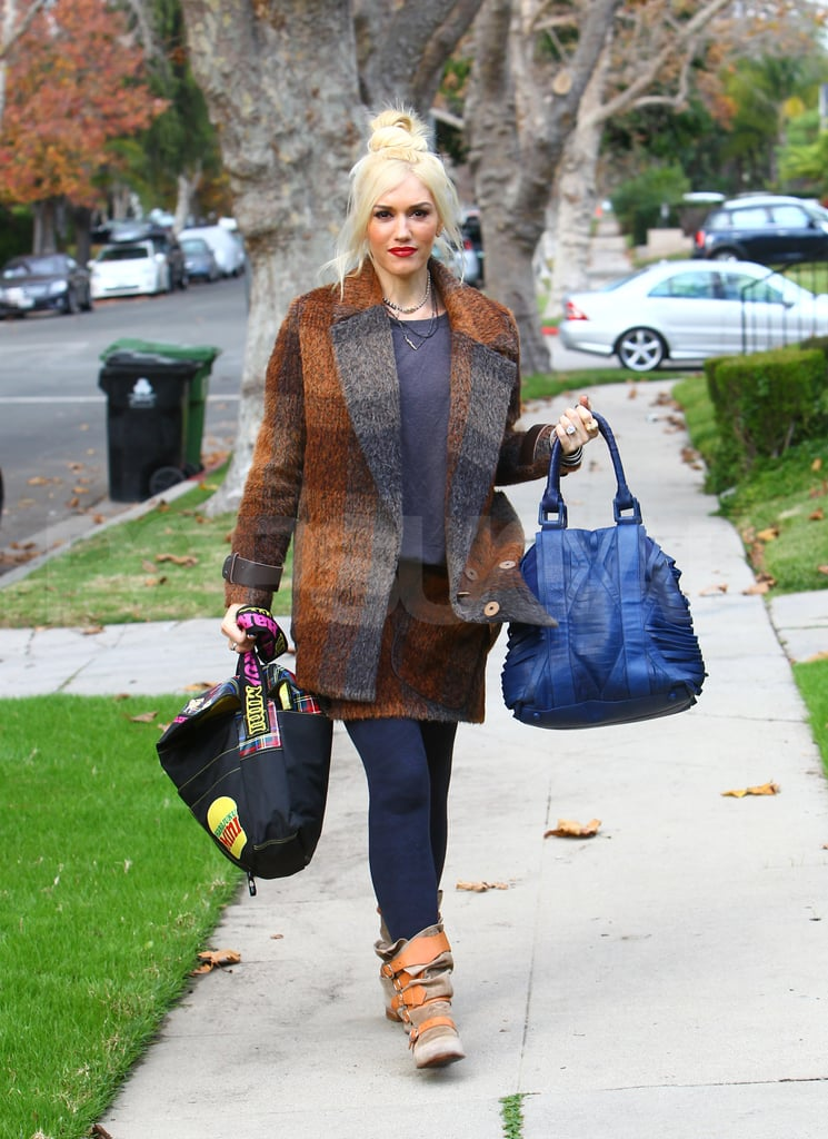 Gwen Stefani headed to her parents' for Thanksgiving.
