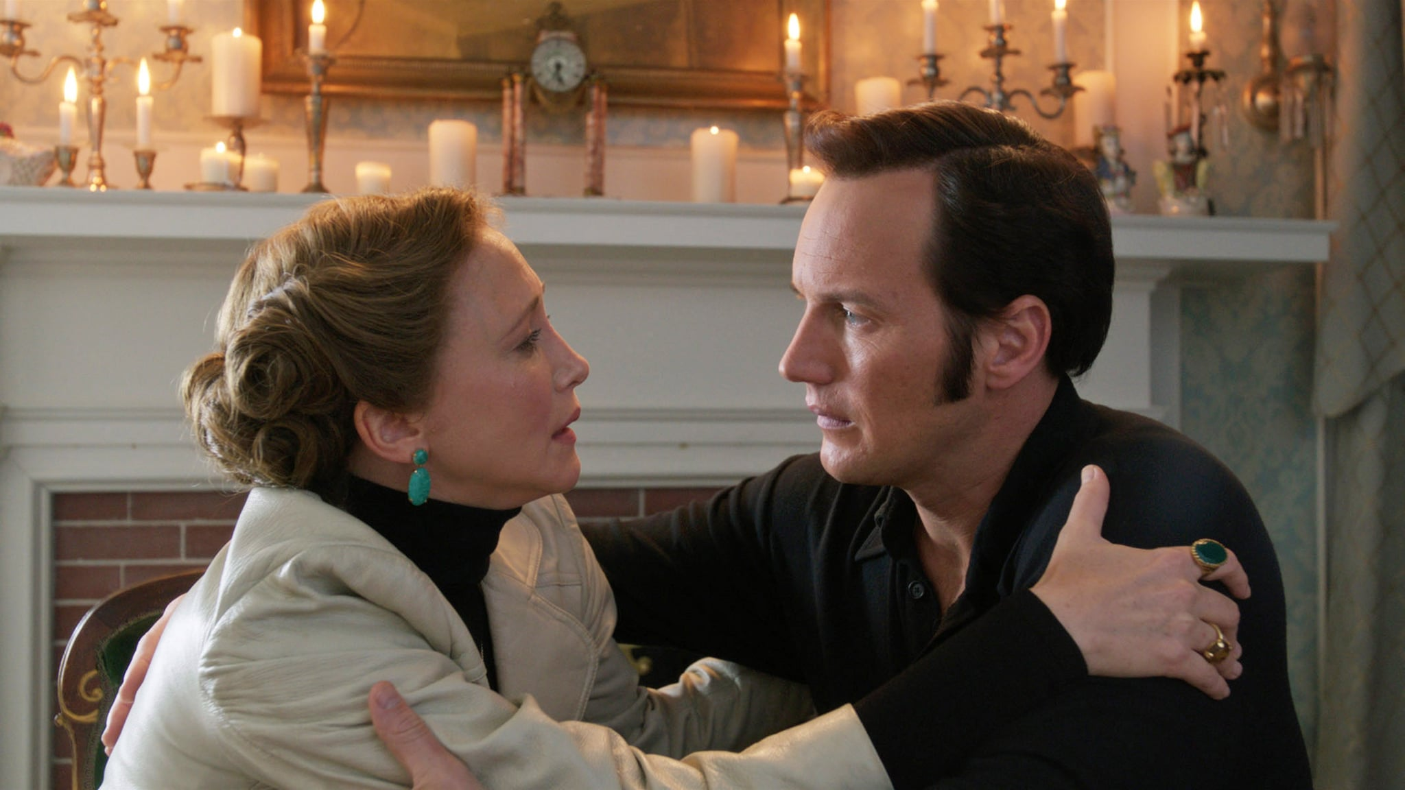 THE CONJURING 2, from left: Vera Farmiga, Patrick Wilson, 2016.  New Line Cinema / courtesy Everett Collection