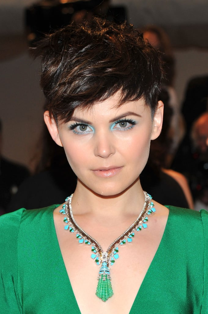 We always admire Ginnifer for her creative makeup choices, and at the 2011 Met Gala, she chose to complement her blue-green jewellery with aquamarine eye shadow.
