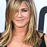 Jennifer Aniston plays Willowdean's mom, Rosie Dickson, a former beauty queen.