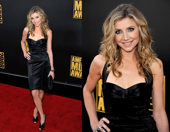 American Music Awards: Sarah Chalke