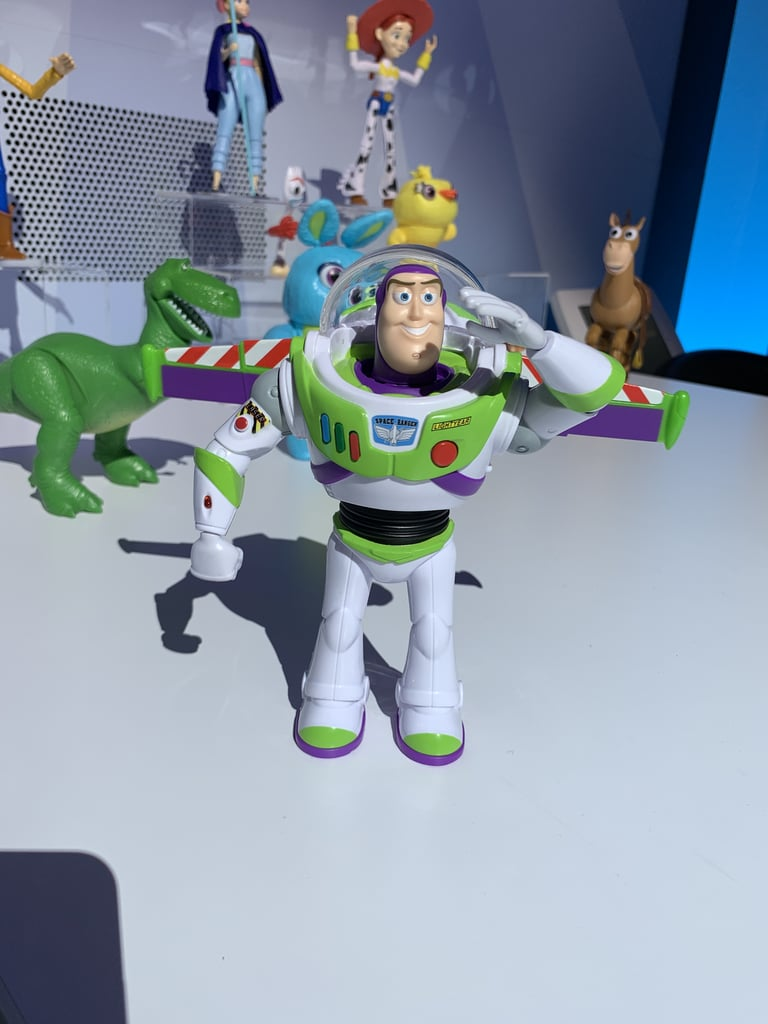 Disney-Pixar Toy Story Ultimate Walking Buzz Lightyear