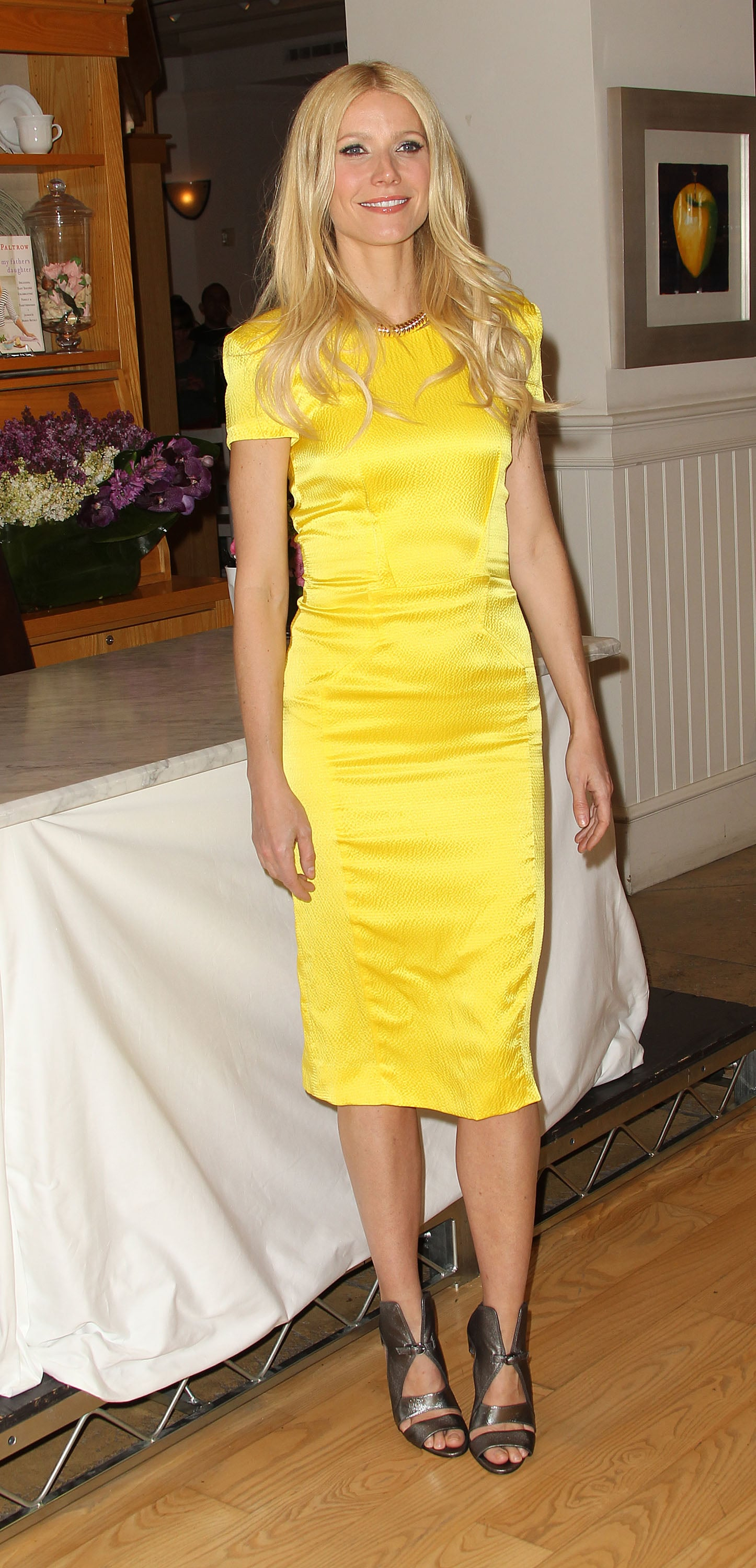 Gwyneth Paltrow Is a Ray of Sunshine at Beverly Hills Book Signing