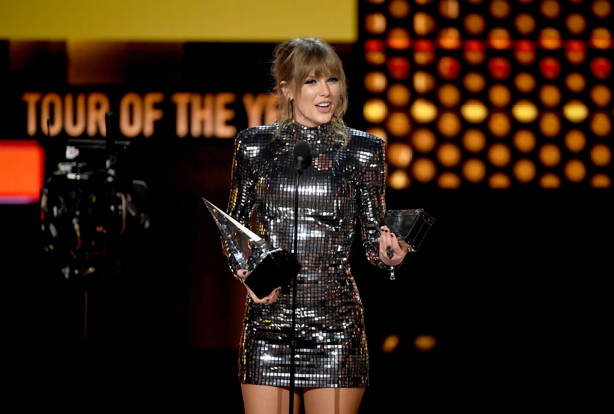 LOS ANGELES, CA - OCTOBER 09:  Taylor Swift accepts Tour of the Year for the Reputation Stadium Tour onstage during the 2018 American Music Awards at Microsoft Theater on October 9, 2018 in Los Angeles, California.  (Photo by Kevin Winter/Getty Images For dcp)