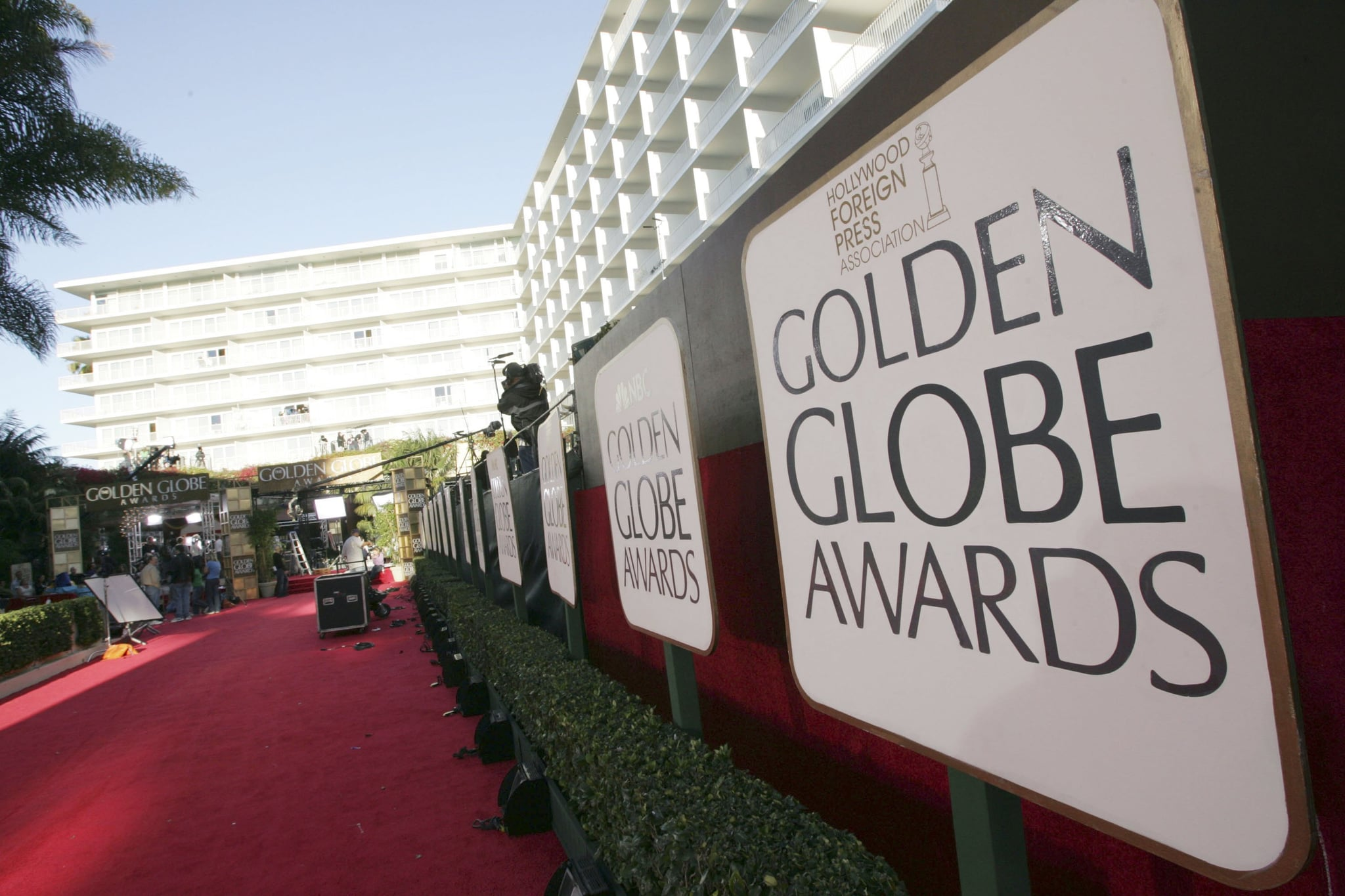 BEVERLY HILLS, CA - JANUARY 15:  Preparations for the 63rd Annual Golden Globes are underway at the Beverly Hilton Hotel on January 15, 2006 in Beverly Hills, California.  (Photo by Kevin Winter/Getty Images)