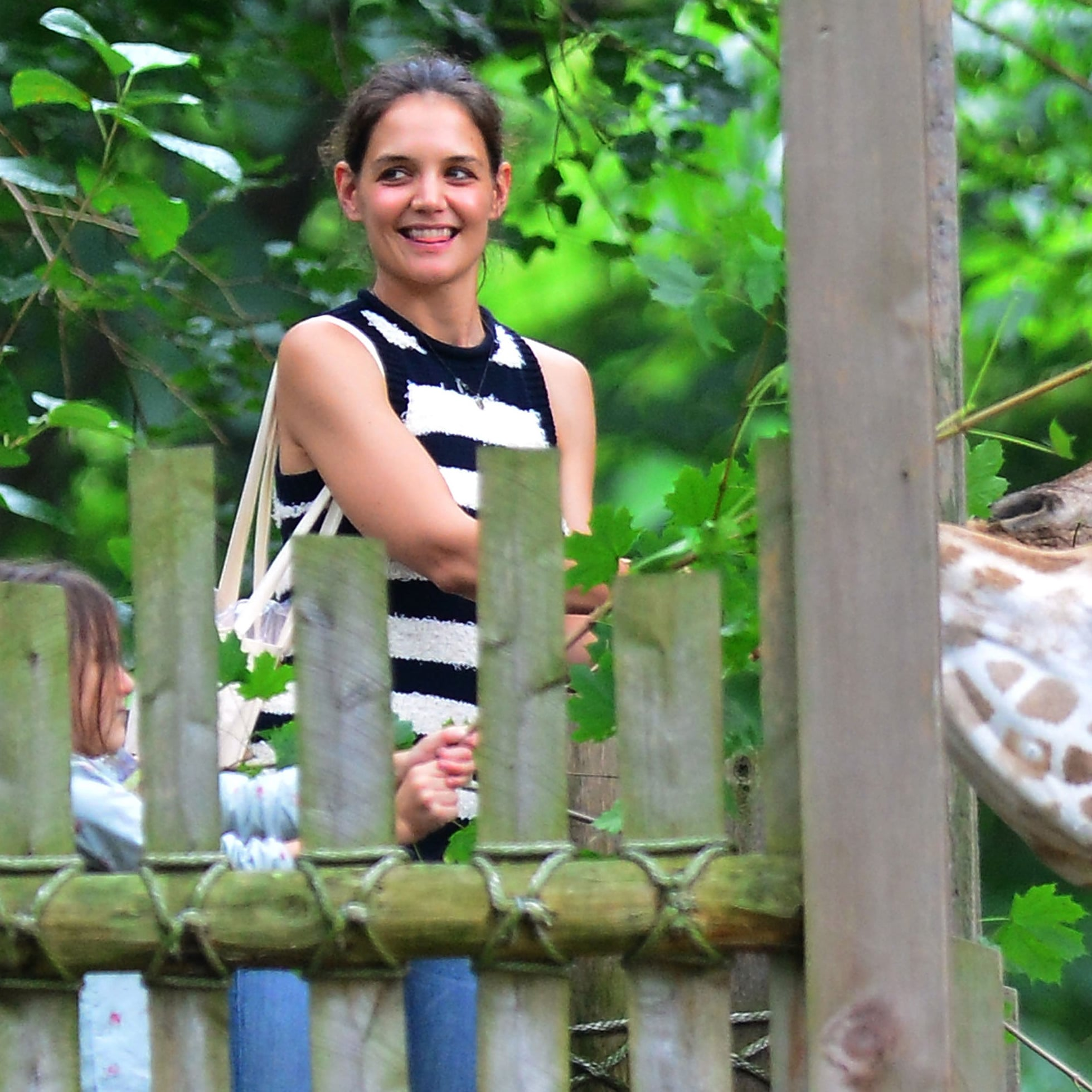 Suri Cruise gets her own zoo for the day Suri Cruise gets her own zoo for the day new foto