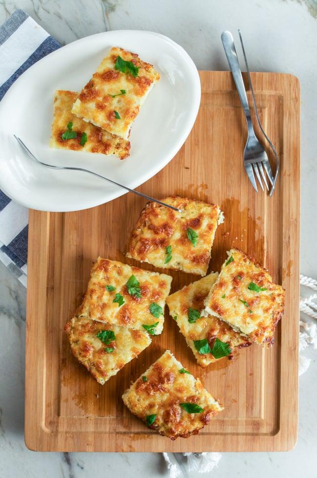 Cheesy Garlic Cauliflower Bread Sticks | Cauliflower Pizza ...