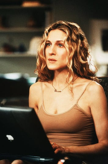 Season Two Carrie Bradshaw: top tinute bune de inspirat Carrie Bradshaw: top tinute bune de inspirat Season Two
