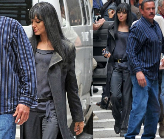 Photos of Angelina Jolie Filming Salt in NYC 2009-05-25 08:35:56
