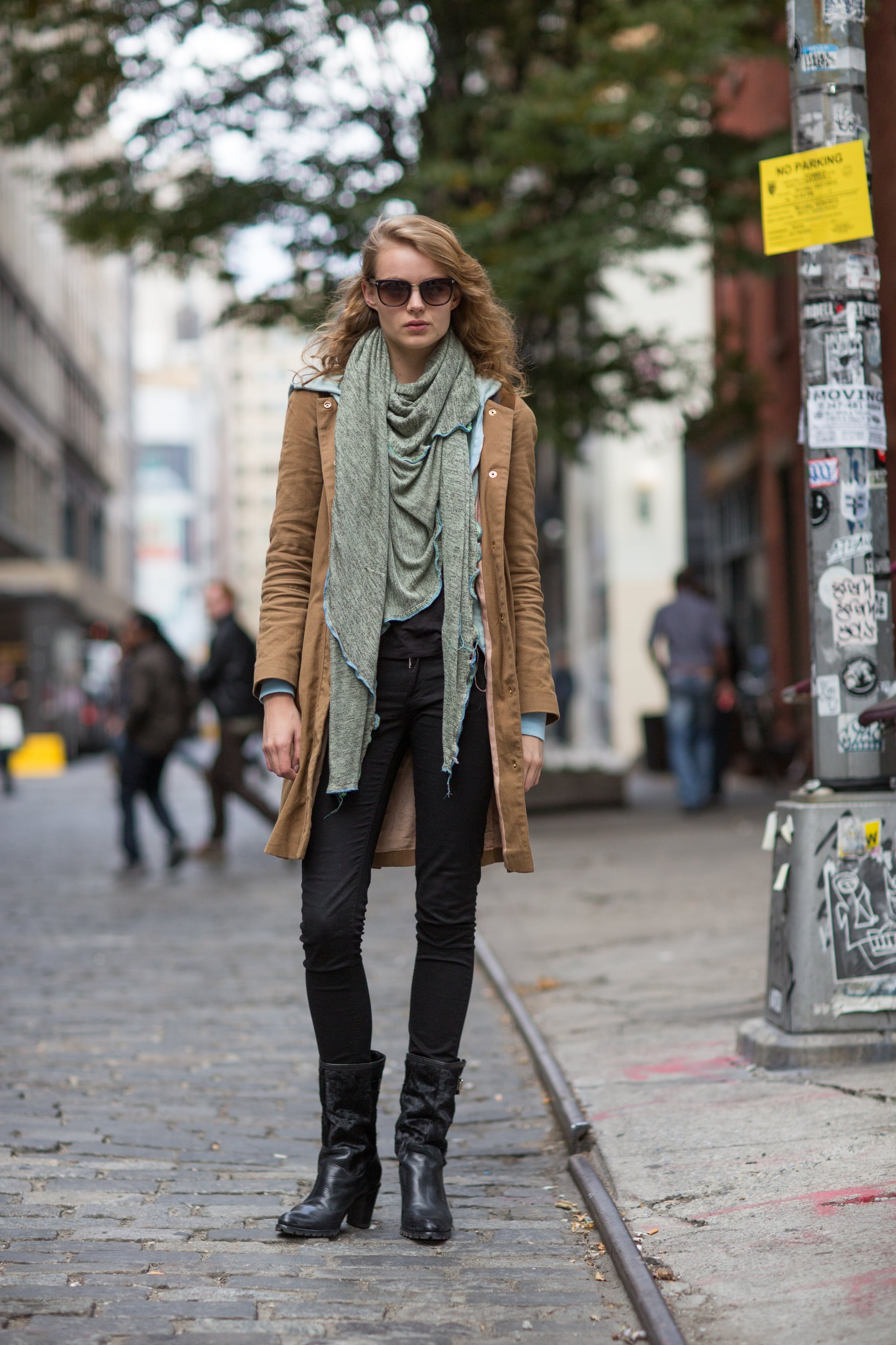 Let your scarf be the star of your outfit — and watch the compliments roll in. Source: Le 21ème | Adam Katz Sinding