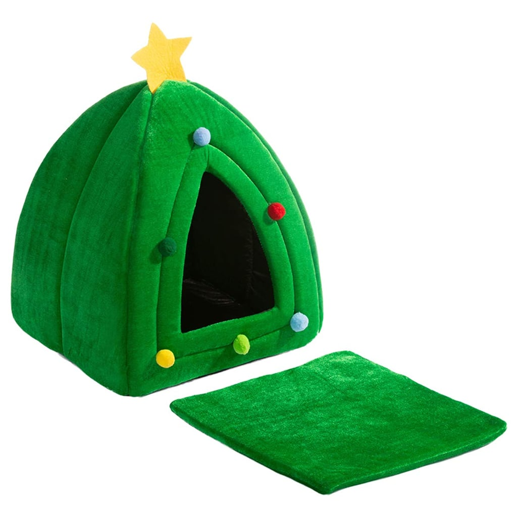 More Photos of the Hollypet Self-Warming 2-in-1 Cat Bed — Christmas Tree
