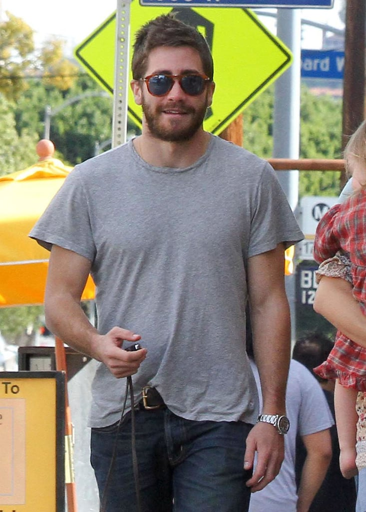 Jake Gyllenhaal and Busy Philipps Prep For the Golden Globes With Birdie