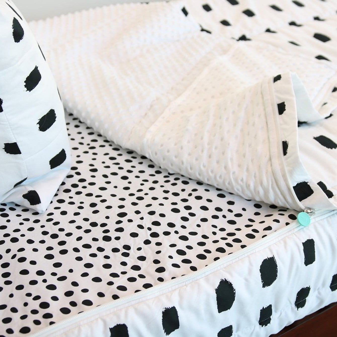 053237de8 Beddy s Zip-Up Bedding Sets For Kids and Adults