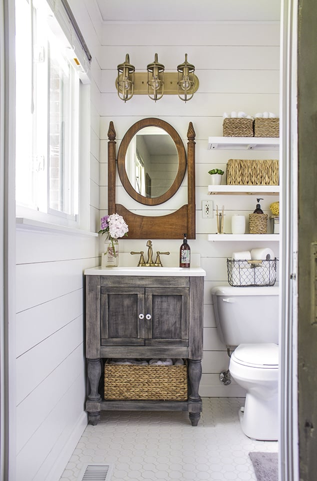 Joanna Gaines herself would proud vintage mirror mounted - Get Small Farmhouse Bathroom Decor Background