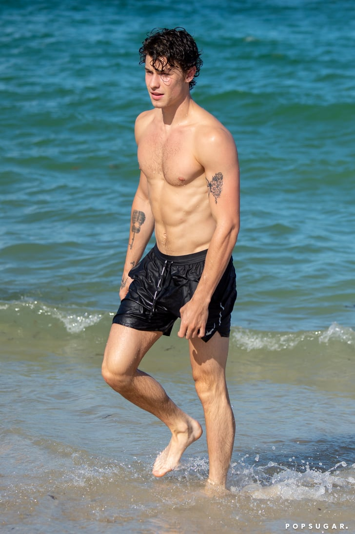 Shawn mendes shirt off
