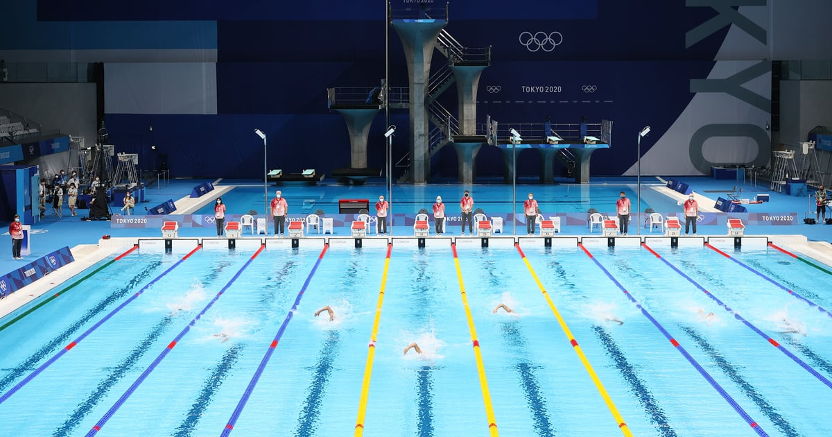 Here's Why Olympic Medalists So Often Emerge From the Middle Lanes of the Pool