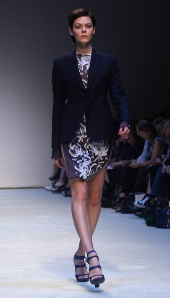 Christopher Kane Sends Out Gingham Girls for Spring 2010