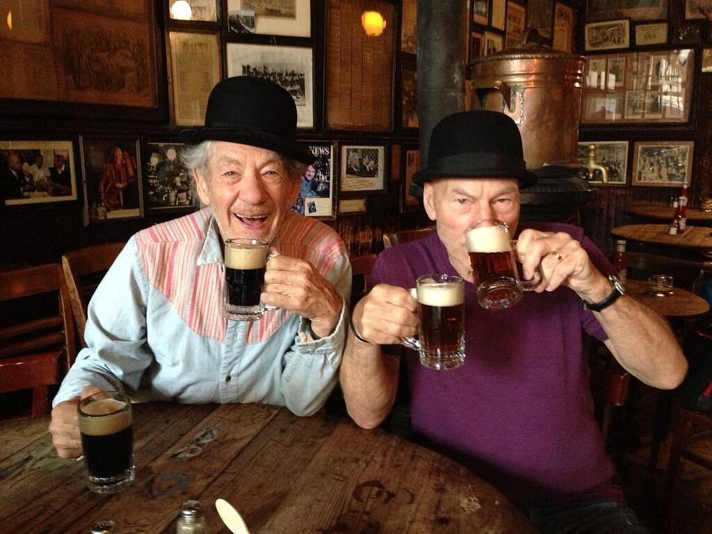Patrick Stewart and Ian McKellen on Twitter
