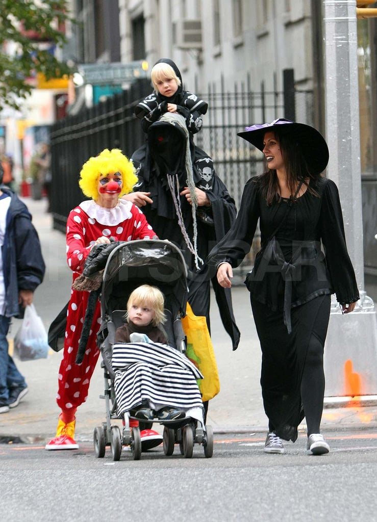Naomi Watts and Liev Schreiber got into Halloween costumes with Sasha and Samuel.