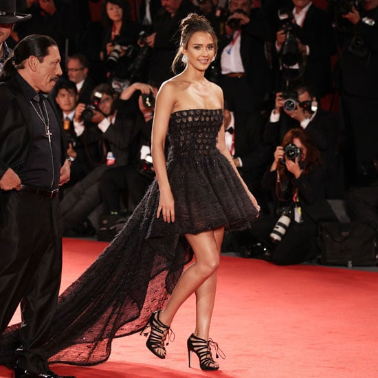 Jessica-Alba-showed-off-her-legs-her-mov