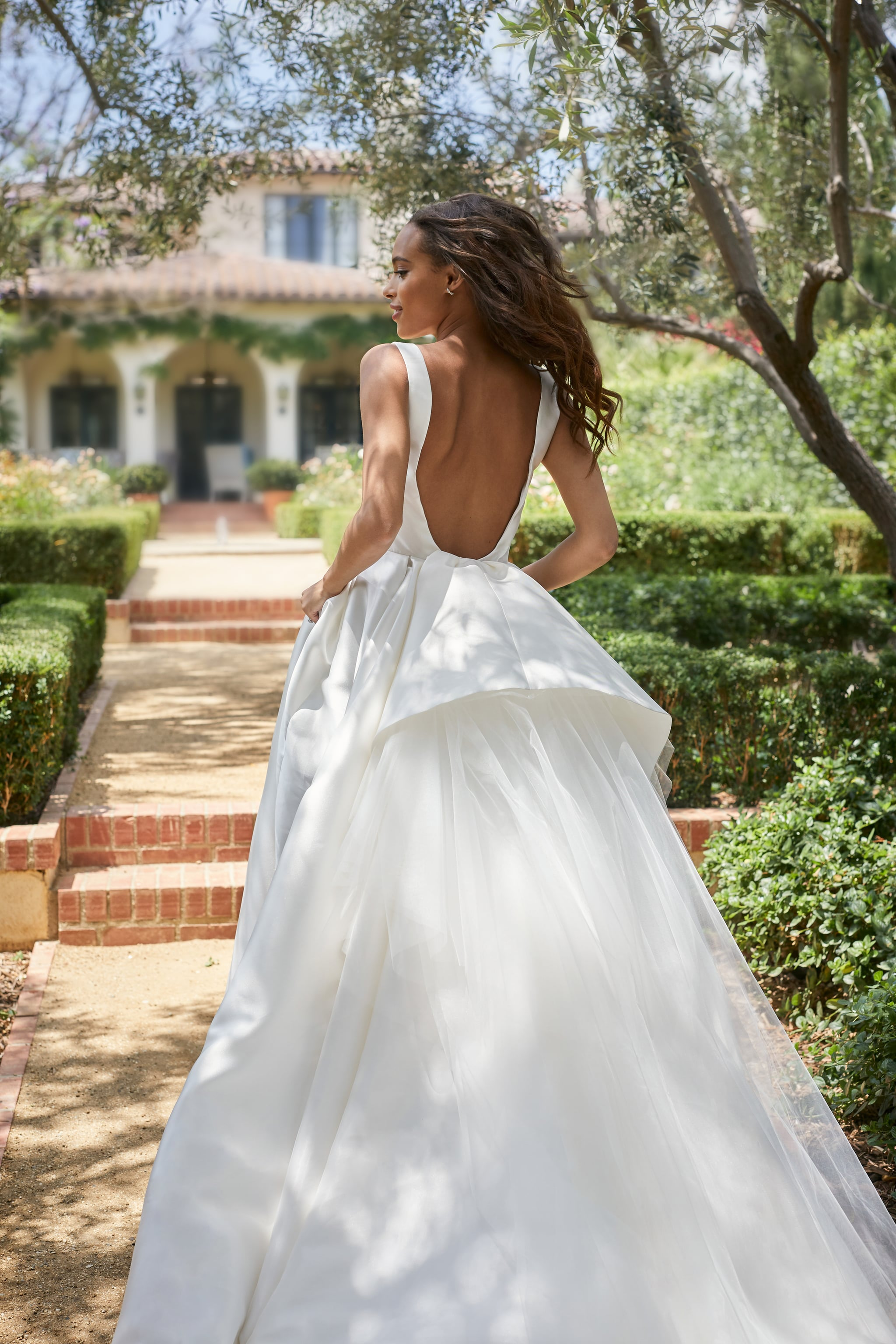 The 6 Biggest Wedding Dress Trends For 2021 Brides To Know Popsugar Fashion