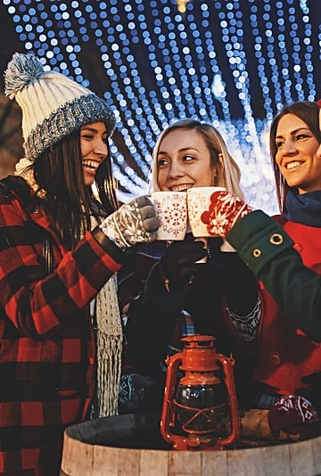 11 Holiday Traditions to Start With Your Friends This Year