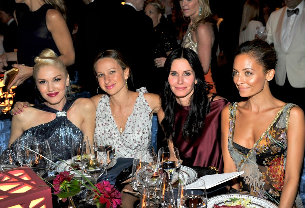 Gwen, Stefani, Jennifer Meyer, Courteney Cox, and Nicole Richie posed for another photo during dinner.
