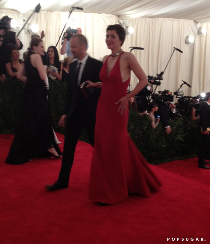 Maggie Gyllenhaal happily arrived with her husband, Peter Sarsgaard.