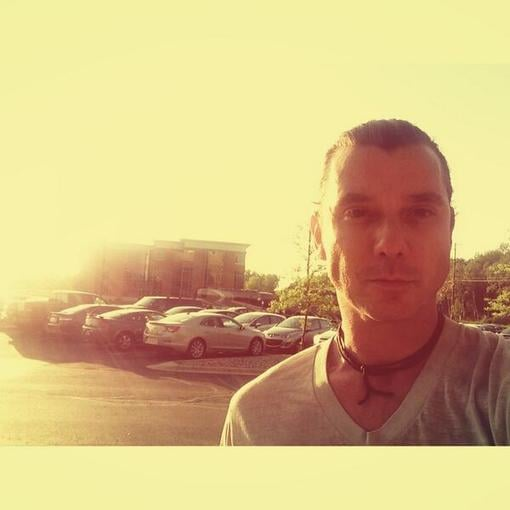 Gavin Rossdale didn't shy away from taking a sexy selfie in the parking lot. Source: Twitter user GavinRossdale