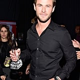 Chris Hemsworth looked superhot while posing with his award.