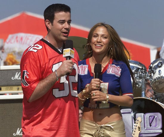 Jennifer Lopez and Carson Daly talked to the crowd before 2001's matchup.