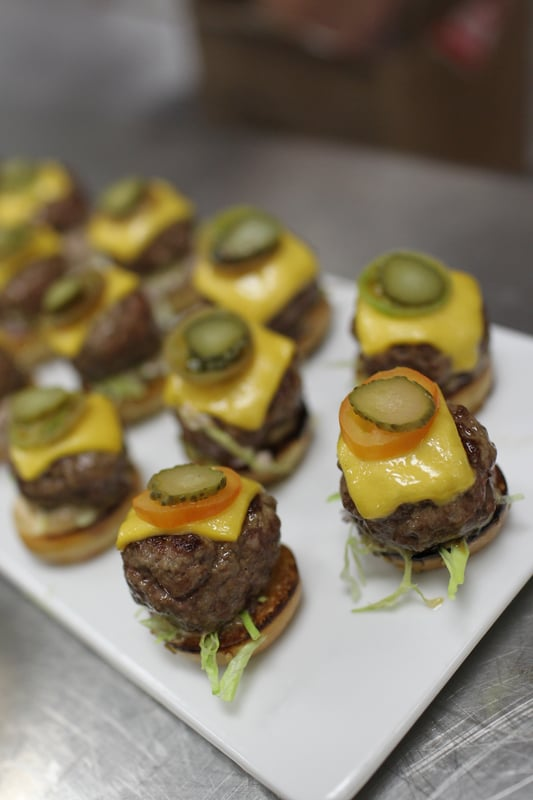 Prime Mini Burgers With Cheddar Cheese and Rémoulade