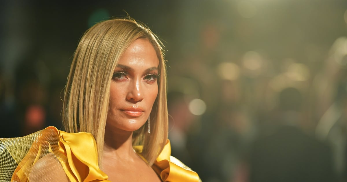 Jennifer Lopez's new lob haircut looks great in this blond hair