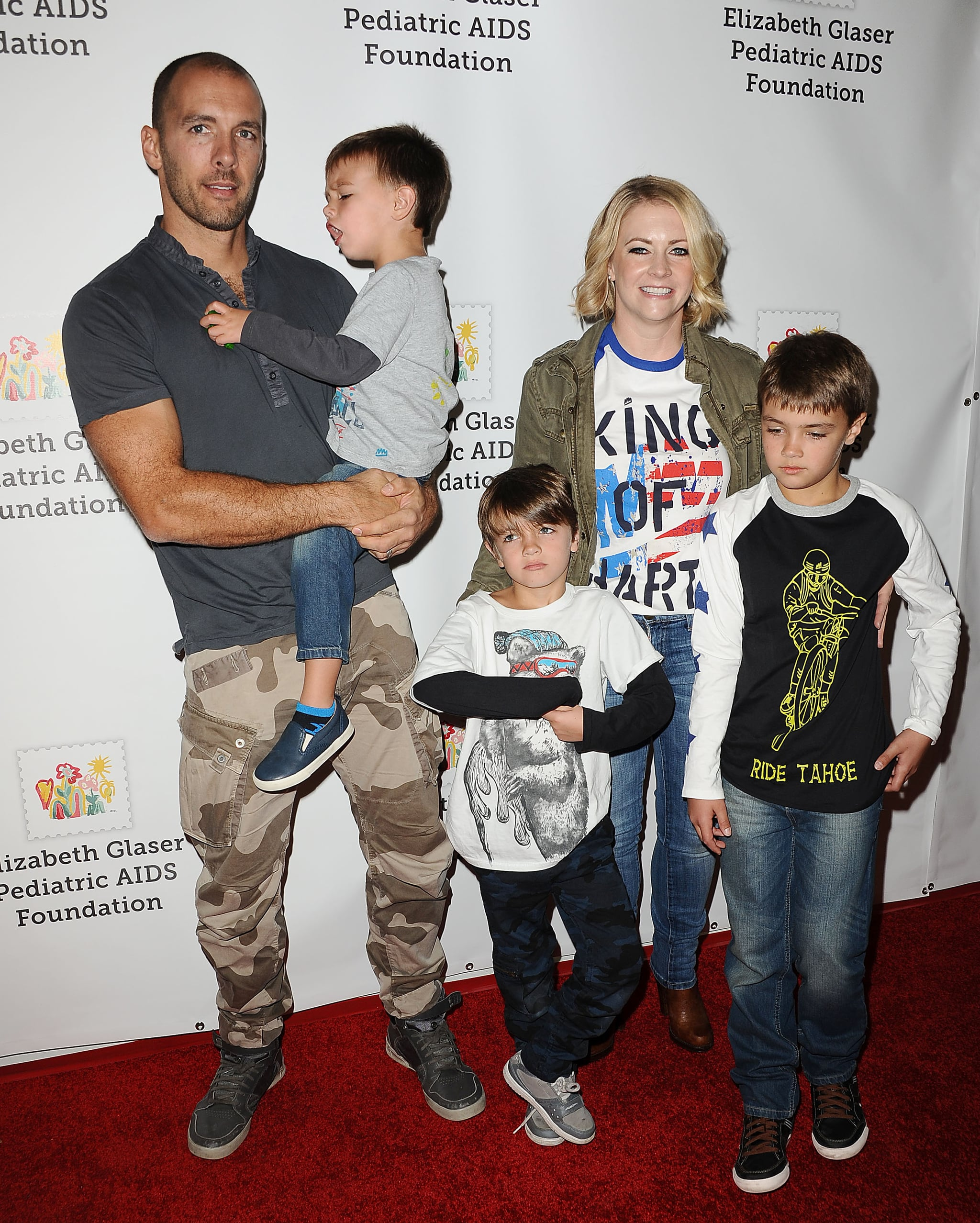 CULVER CITY, CA - OCTOBER 25: Actress Melissa Joan Hart with husband Mark Wilkerson and their children Braydon Hart Wilkerson, Mason Walter Wilkerson, Tucker McFadden Wilkerson attend the Elizabeth Glaser Pediatric AIDS Foundation's 26th A Time For Heroes family festival at Smashbox Studios on October 25, 2015 in Culver City, California.  (Photo by Jason LaVeris/FilmMagic)
