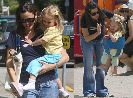 Photos of Rumored Pregnant Jennifer Garner and Violet Affleck
