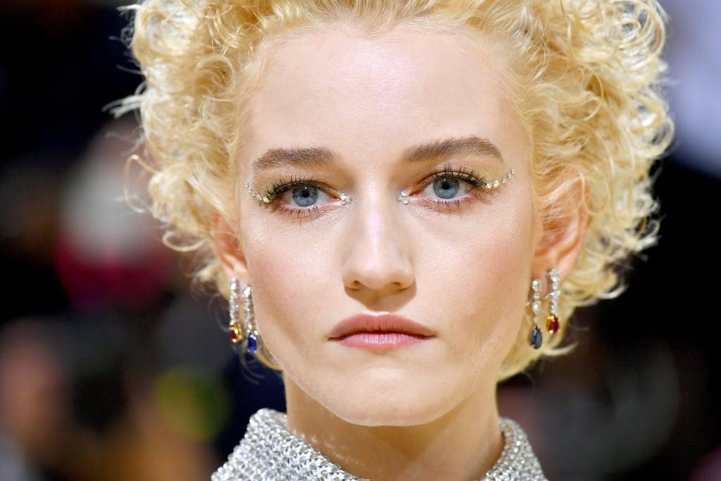 Julia Garner's Crystal Eye Makeup at the Met Gala 2021
