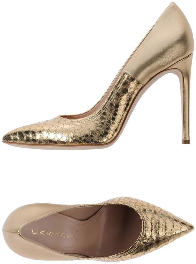c1eb3c64c76 Casadei Pumps | Melania Trump Gold Snakeskin Heels | POPSUGAR ...
