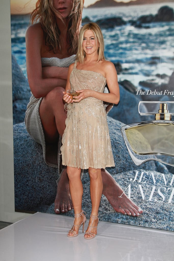 Pictures of Jennifer Aniston at Mexico City Fragrance ...