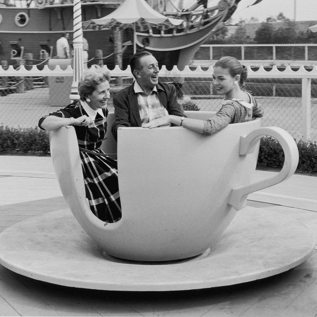 Popsugar Smart Living: Vintage Disneyland Pictures