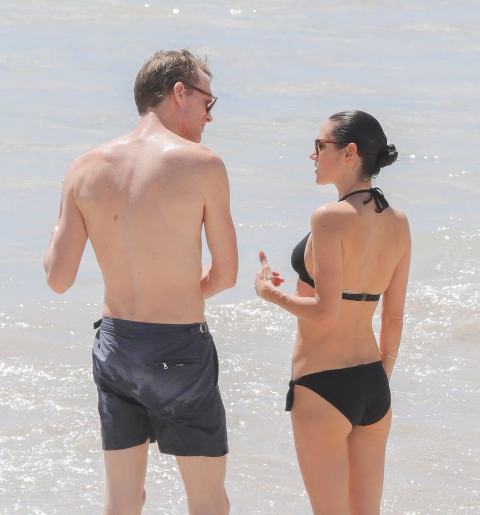 Sexy crotchless sling bikini
