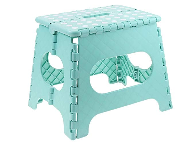 Non-Slip Foldable Step Stool With Carrying Handle